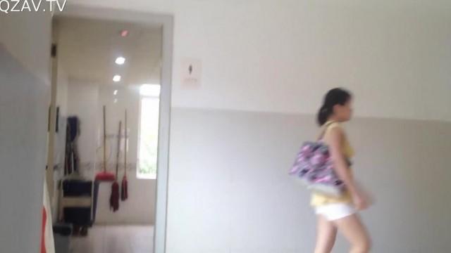 室内水上乐园_医院厕拍日记系列11 绿色高跟鞋的可爱圆脸素颜马尾辫妹子来 ...